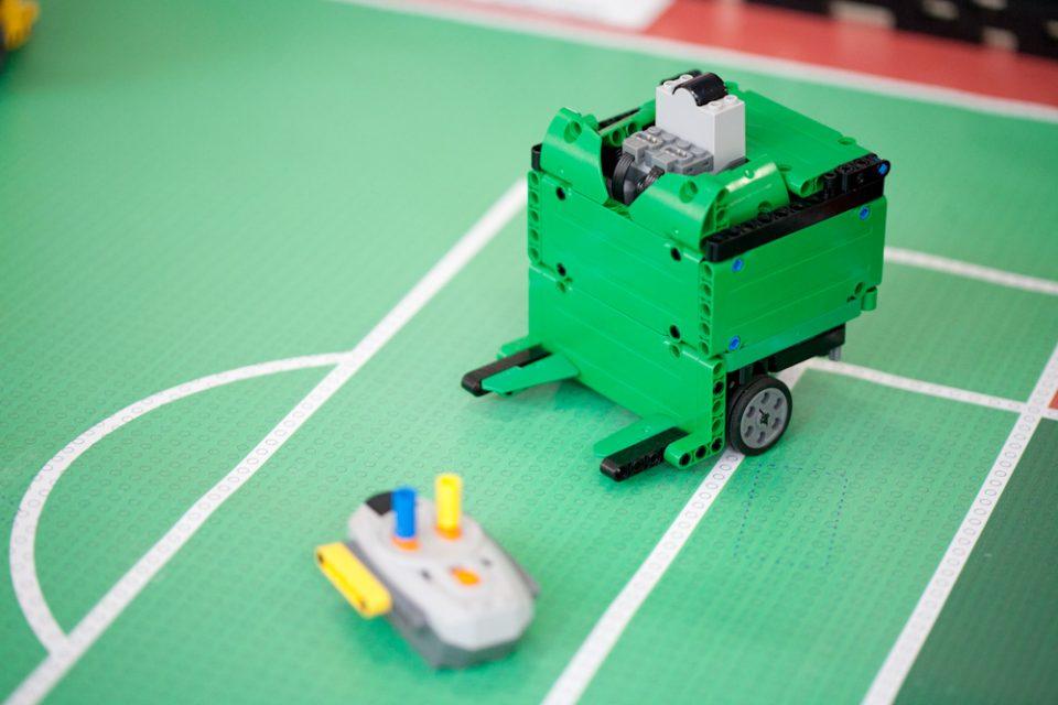 Futebol de robôs (Gui Lima)